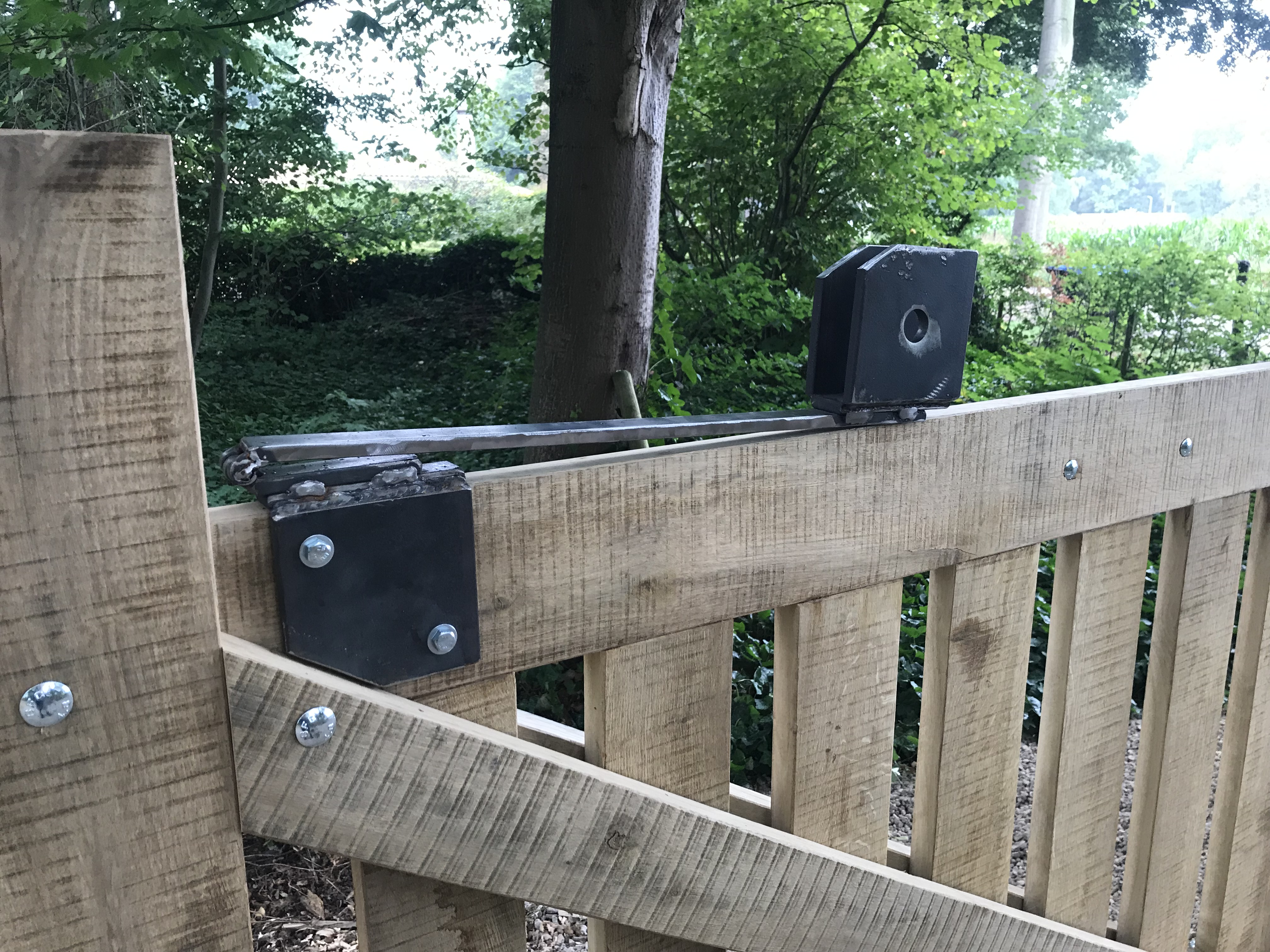 houten poort, omgevallen eik, Doetinchem, Giesen Architectuur, vakwerk, reuse, recycle, upcycle, lokaal